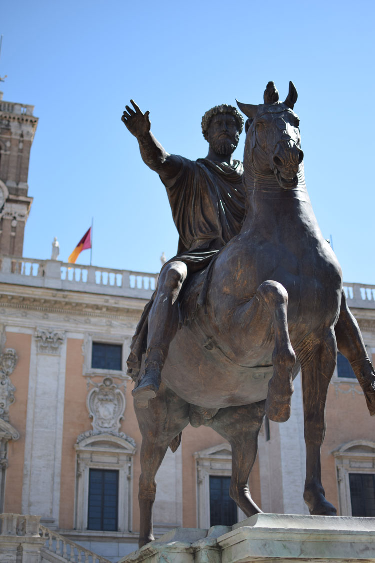 marc-aurele-statue