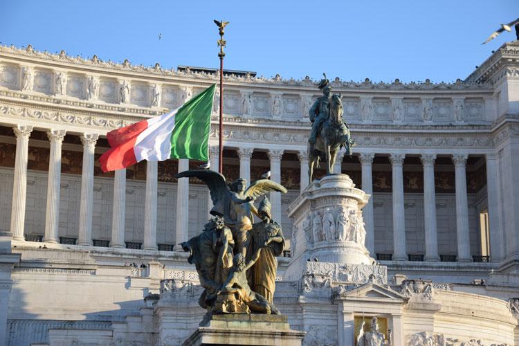 rome-vitoriano-statue