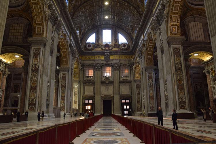 basilique-st-pierre-interieur-3