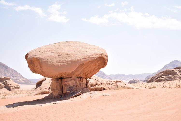 wadi-rum-mushroom-rock