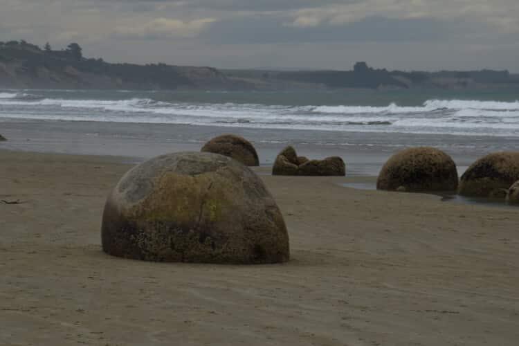 moeraki-boulders-1