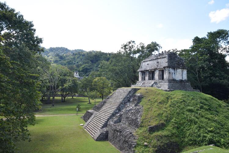 palenque-monument