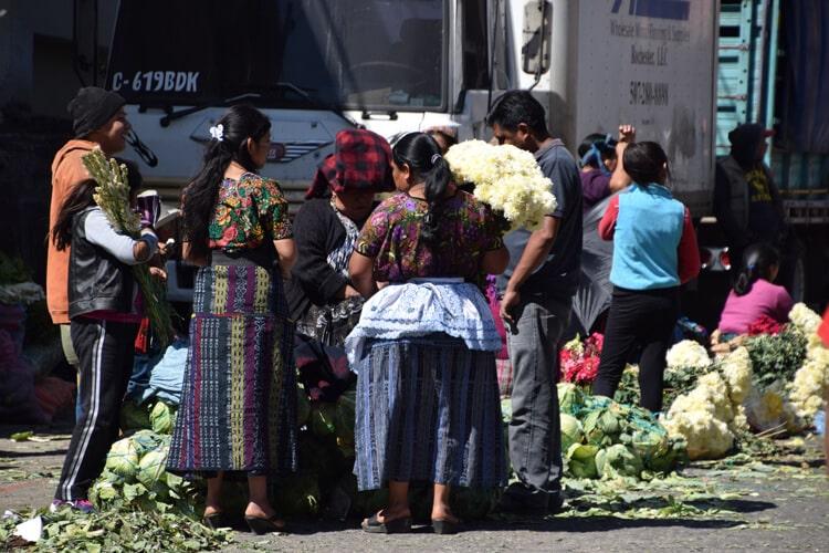 marché Almolonga huipil