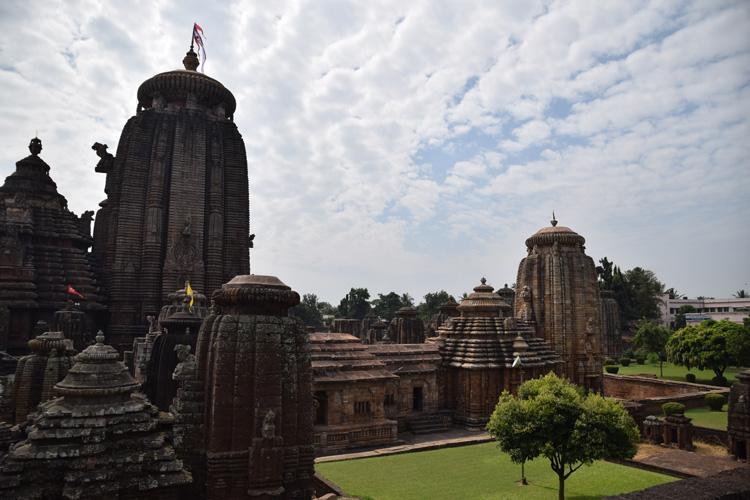 bhubaneswar-lingaraja-temple-1