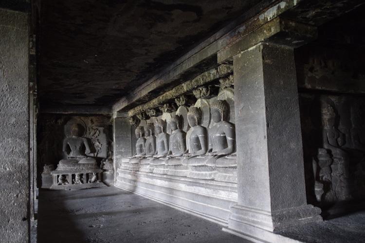 grottes-ellora-salle