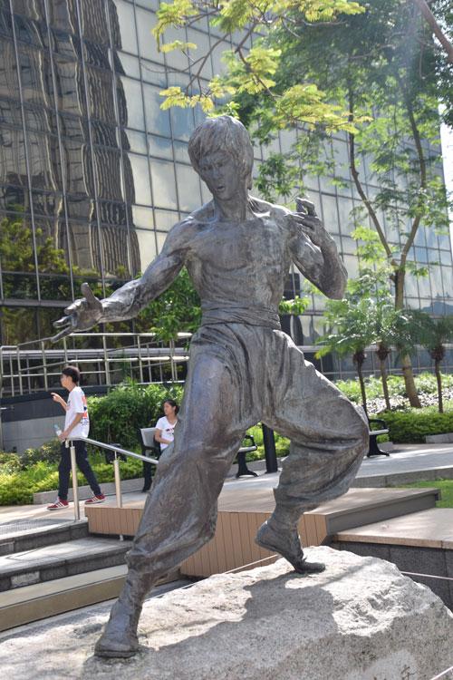 hong-kong-statue-bruce-lee