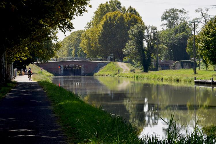Canal des deux mers à vélo Montech