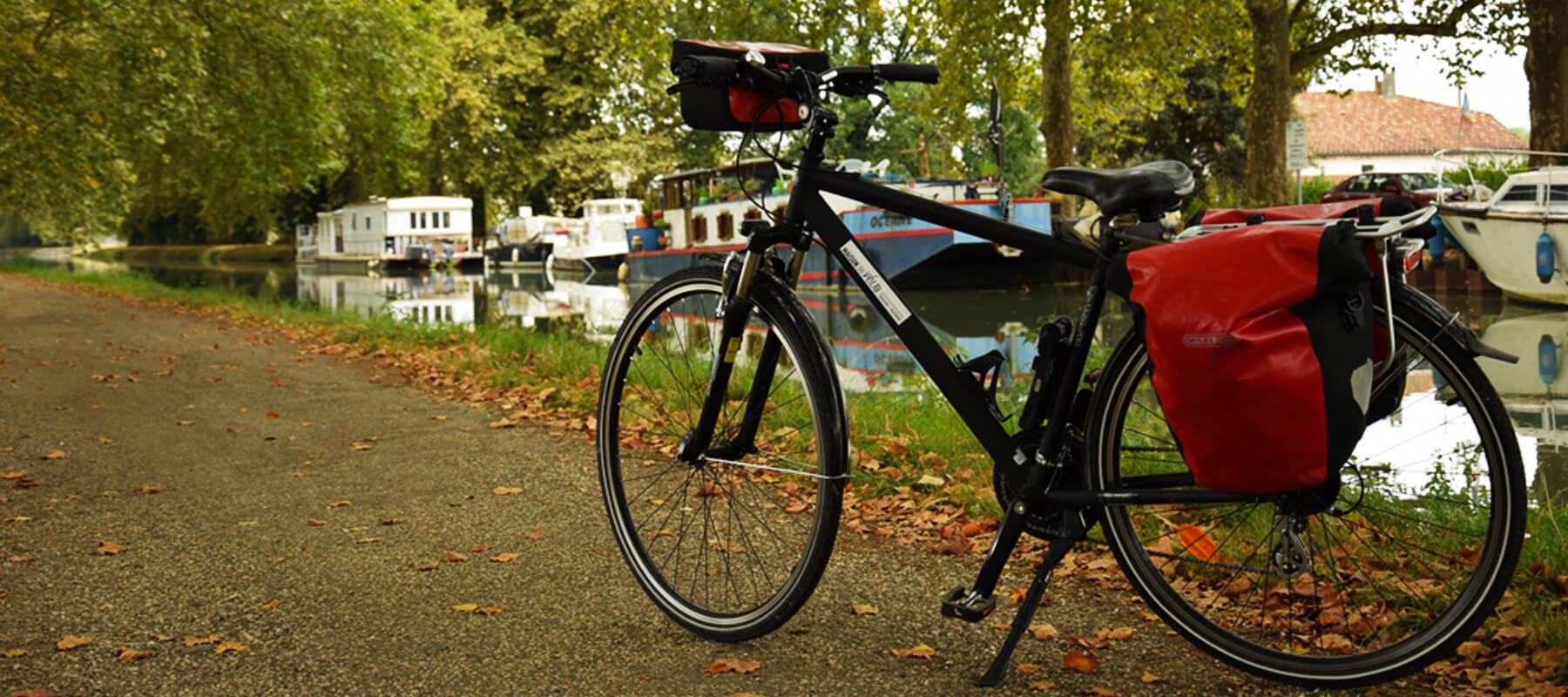 Canal des deux mes à vélo