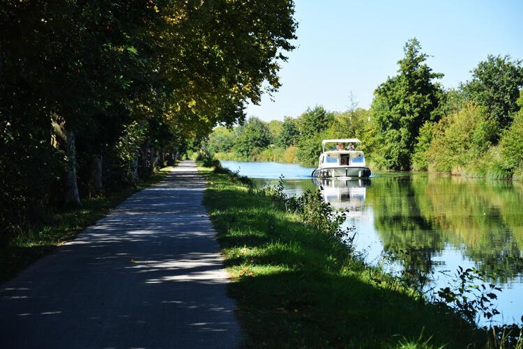 canal des deux mers à vélo bateau
