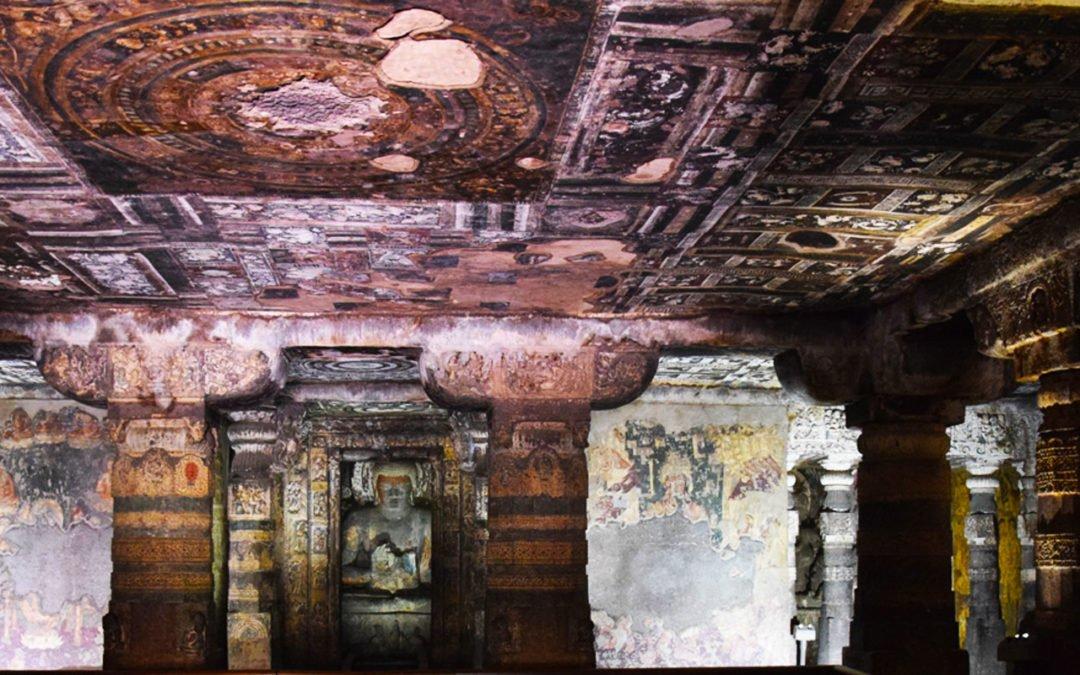 Visiter les grottes d'Ajanta