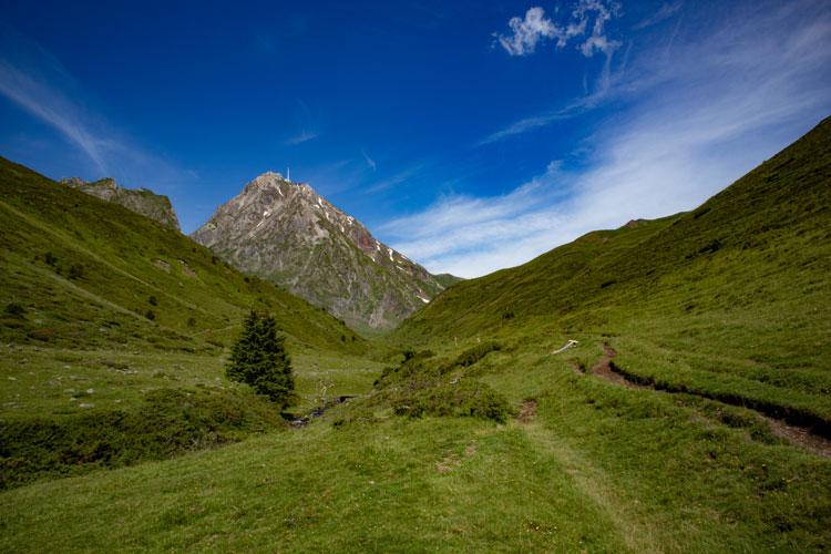 Randonnée au pic du Midi de Bigorre : sentier des muletiers